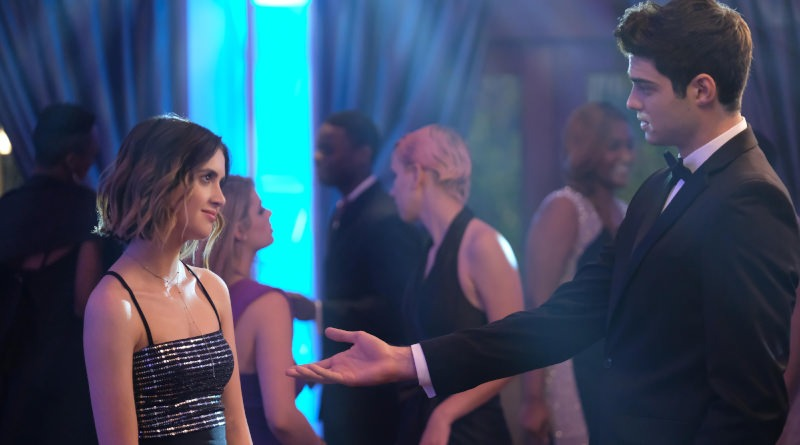 Laura Marano and Noah Centineo in 'The Perfect Date'.